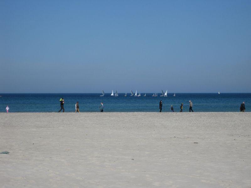 Blick auf den Strand der Ostsee in Markgrafenheide.